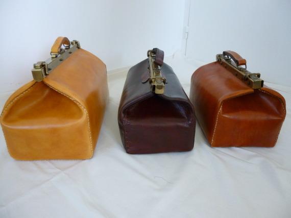 malle de voyage cuir cognac cousue main